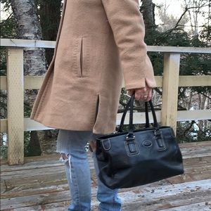 📌 Tod's Pebbled Black Leather Tote Bag